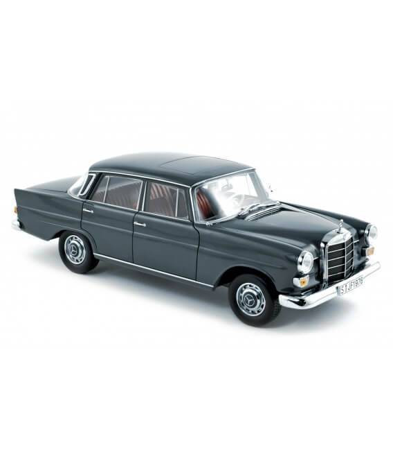 Mercedes-Benz 200 Sedan 1966 - Grey