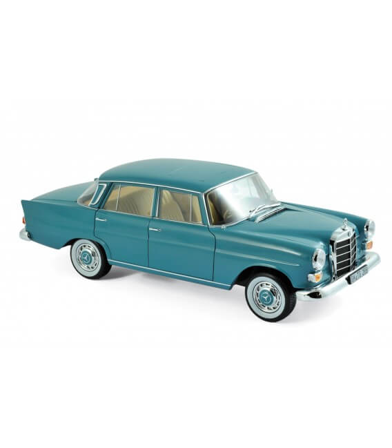 Mercedes benz 200 1966 moosgreen for Mercedes benz in