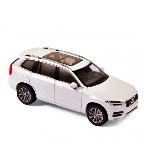 Volvo XC90 2015 - Crystal White Metallic