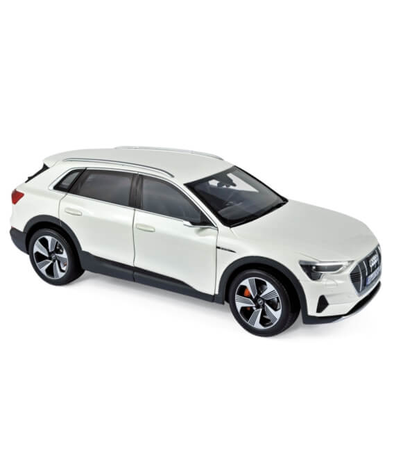 Audi e-tron 2019 - White metallic